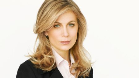 Sonya Walger as trauma surgeon Olivia Benford in FlashForward