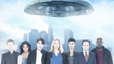 "Promo picture for ""V"" with Elizabeth Mitchell in the center"