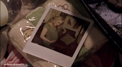 Photo in Claires bag in LOST 6x03 What Kate Does