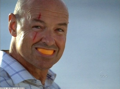 LOST Locke with orange in mouth (Pilot 1x02)