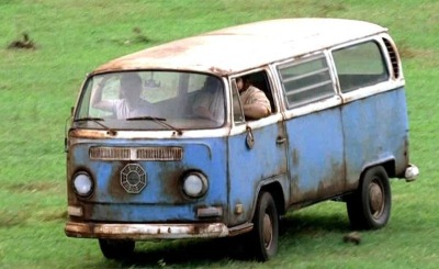Hurley driving blue vw van LOST