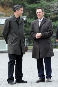 Jim Caviezel and Michael Emerson filming Person of Interest